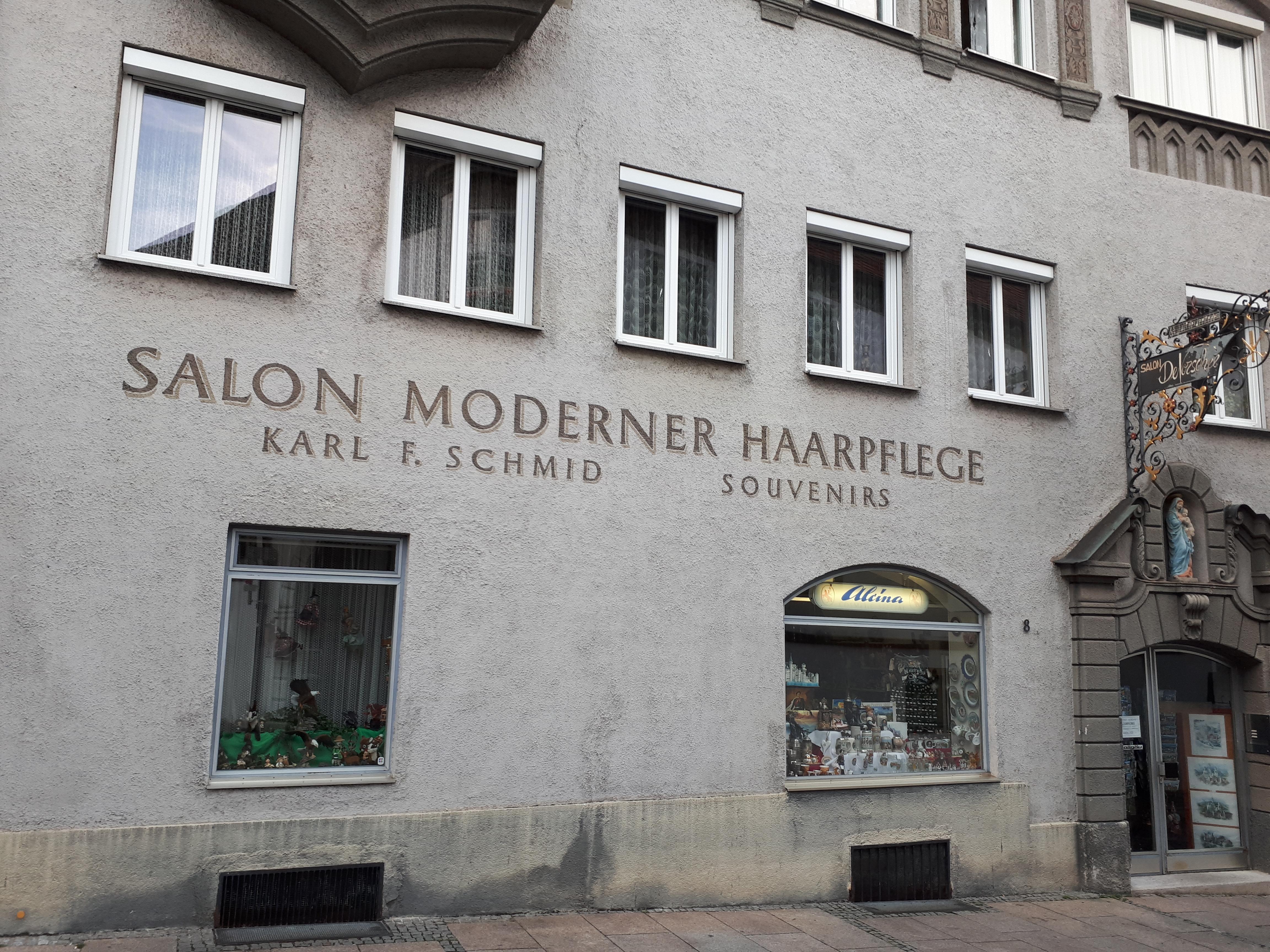 Moderne Haarpflege mit Erinnerung | Typemuseum